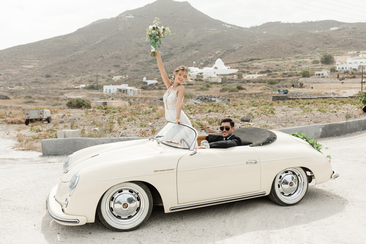 a_silver_crescent_elopement_in_Santorini_Vintage-car.jpg